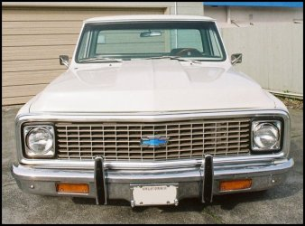 CLICK PHOTO TO ENLARGE.  1971 Chevy C-10 Pickup Front Grill View.
